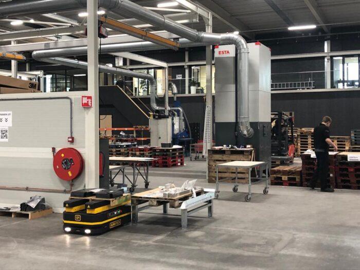 test AGV productiehal MCM